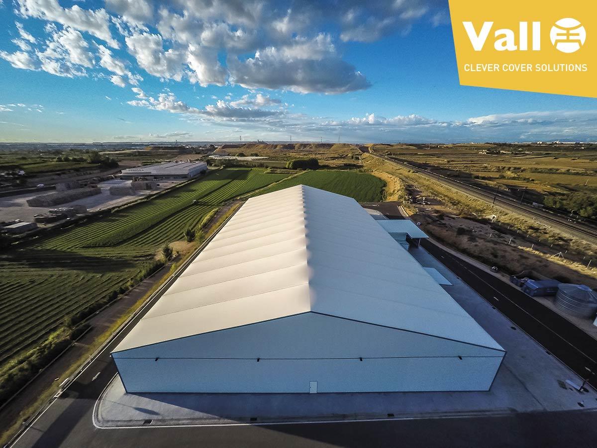 Són realment eficients els sostres de lona de les naus industrials desmuntables?
